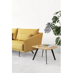 Couchtisch Solapa von Stua in Eiche furniert mit Couch in der Ansicht