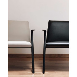 Elephant-4-Fuß-stuhl-KRISTALIA