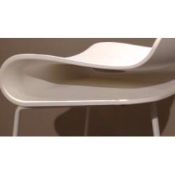 Barstuhl BCN von Kristalia mit Federung in weiß