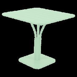Wetterfeste Tische...