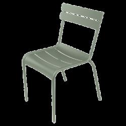 Stapelbarer Stuhl Luxembourg aus Aluminium von Fermob in Rosmarin
