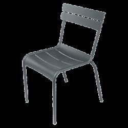 Stapelbarer Stuhl Luxembourg aus Aluminium von Fermob in Gewittergrau