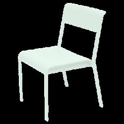 Leichter stapelbarer Stuhl...